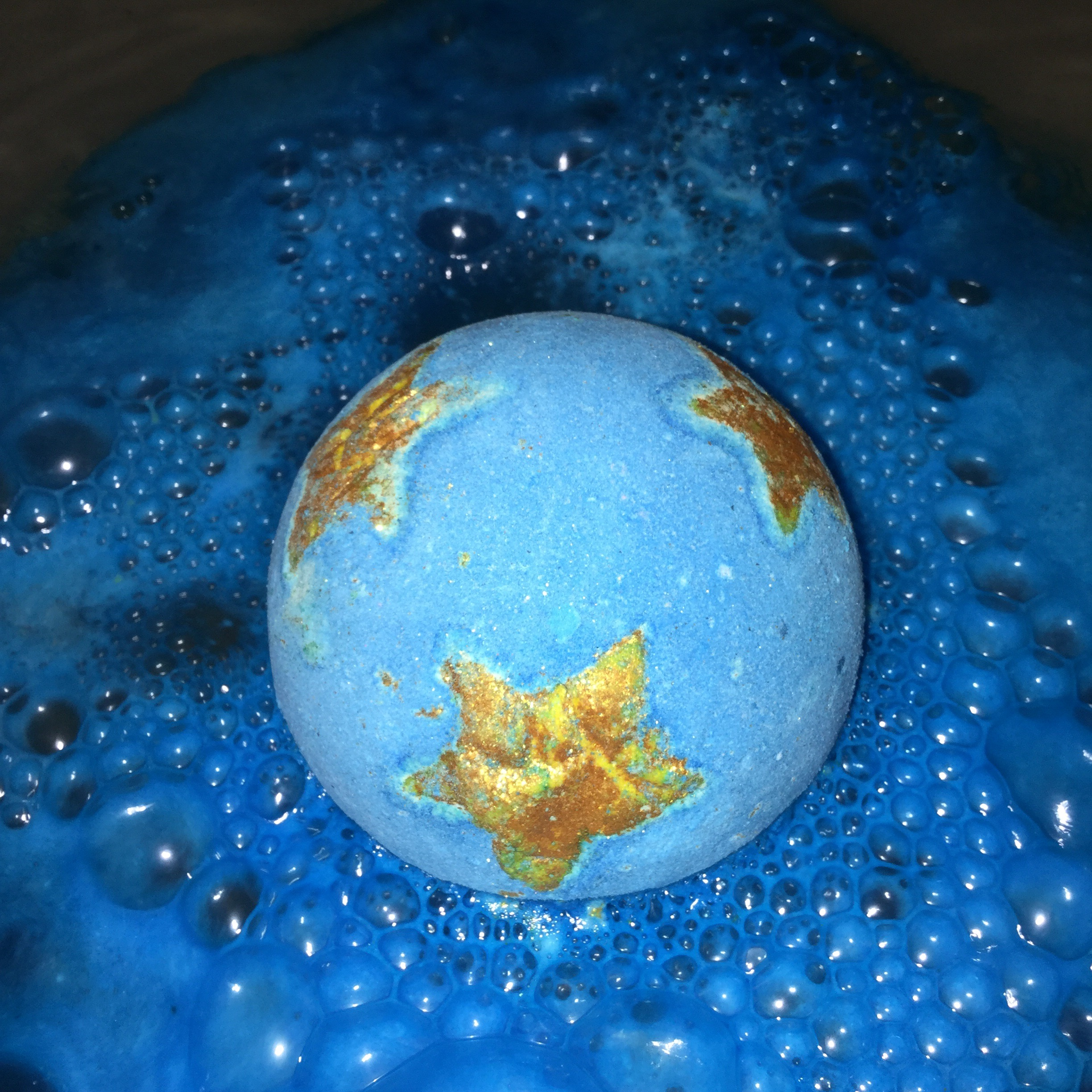 new shoot for the stars bath bomb from lush lush upon a time. Black Bedroom Furniture Sets. Home Design Ideas